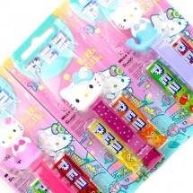 HELLO KITTY MERMAID PEZ CANDY DISPENCER Pz 12 in vendita all'ingrosso